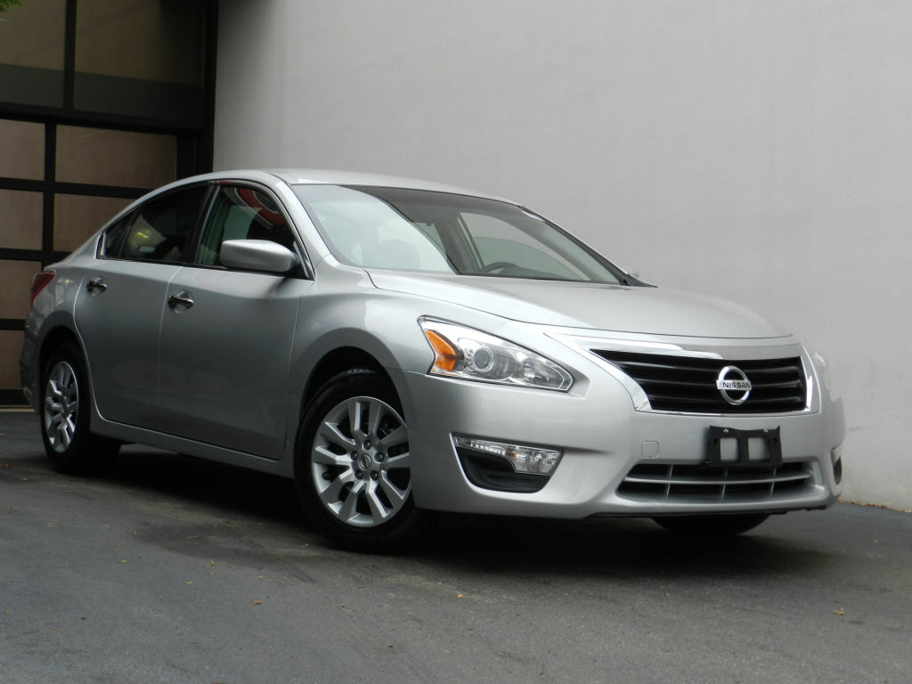 2013 nissan altima review carfax. Black Bedroom Furniture Sets. Home Design Ideas