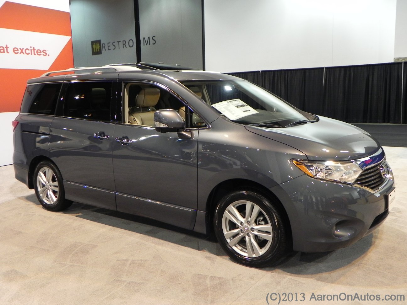 2013NissanQuest-rightside-AOA
