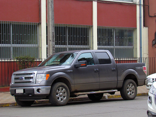 2014-Ford-F-150-crew
