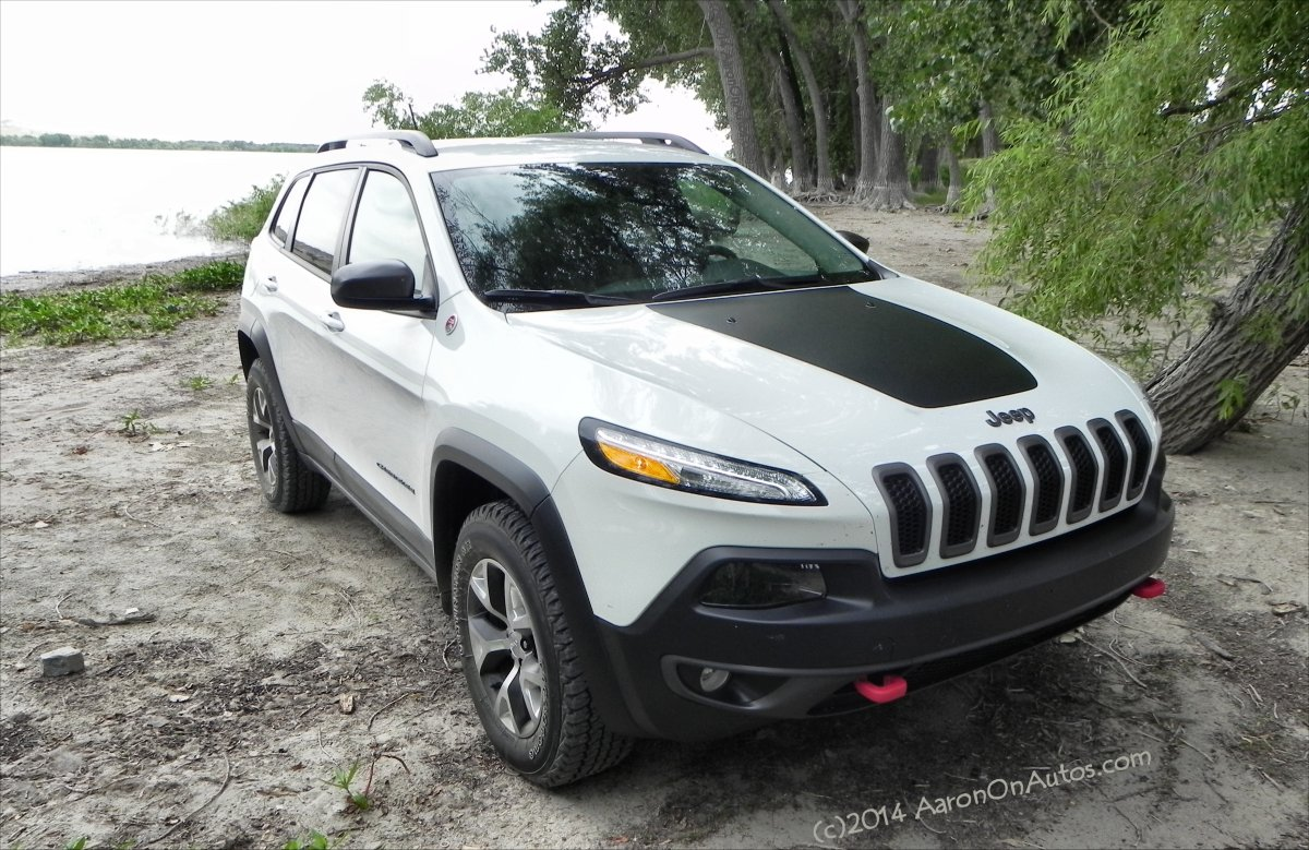 2014 Jeep Cherokee Trailhawk - 10 - AOA1200px
