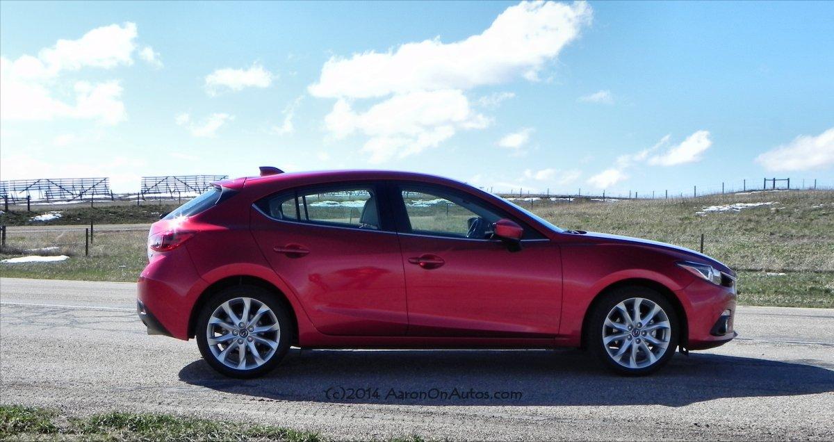 2014 Mazda3 - sky4 - AOA1200px