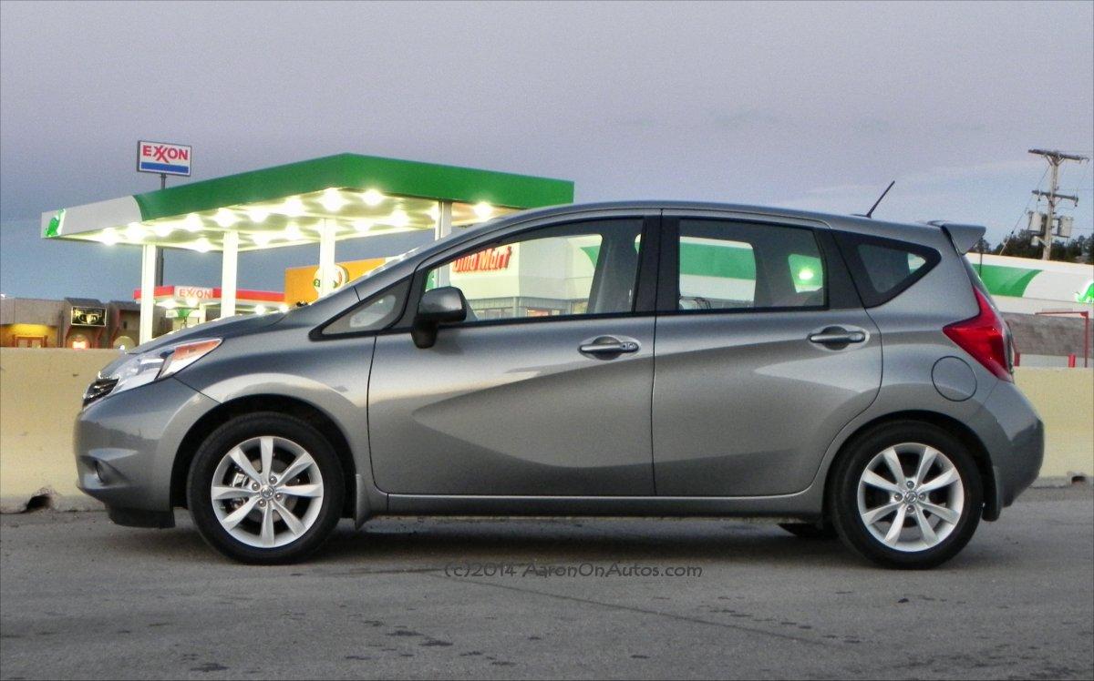 2014 Nissan Versa Note - gasstation 1 - AOA1200px