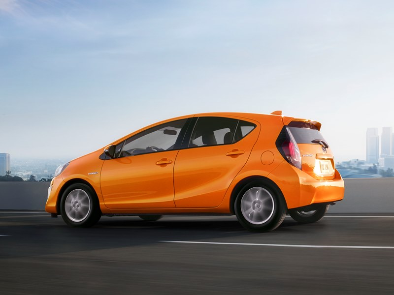2015 toyota prius c review carfax. Black Bedroom Furniture Sets. Home Design Ideas