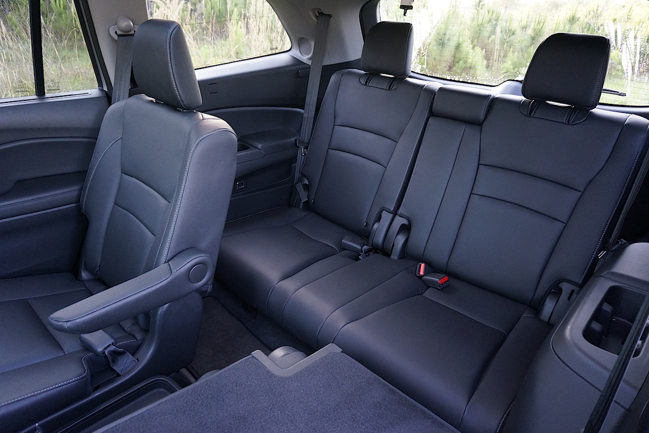 2017 honda pilot rear seat cover velcromag. Black Bedroom Furniture Sets. Home Design Ideas