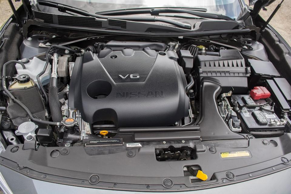 2016 Nissan Maxima SR 5