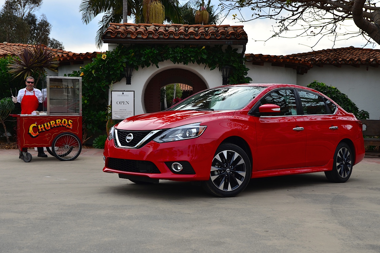 2016 nissan sentra adds style convenience and safety carfax. Black Bedroom Furniture Sets. Home Design Ideas