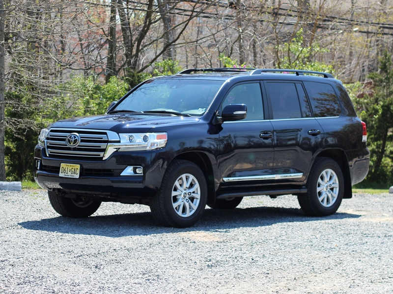 2016 toyota land cruiser review carfax. Black Bedroom Furniture Sets. Home Design Ideas