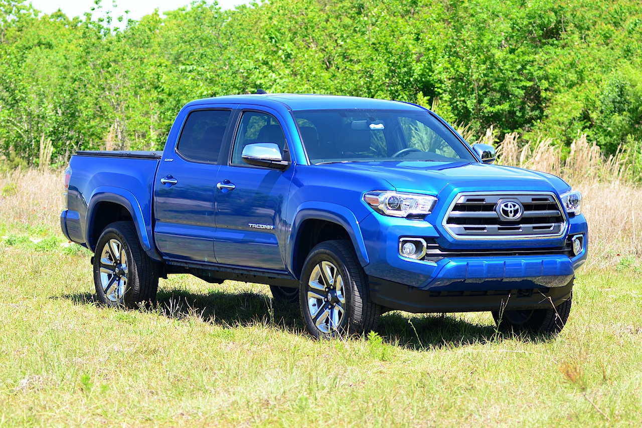 midsize trucks 2016 chevrolet colorado vs toyota tacoma. Black Bedroom Furniture Sets. Home Design Ideas