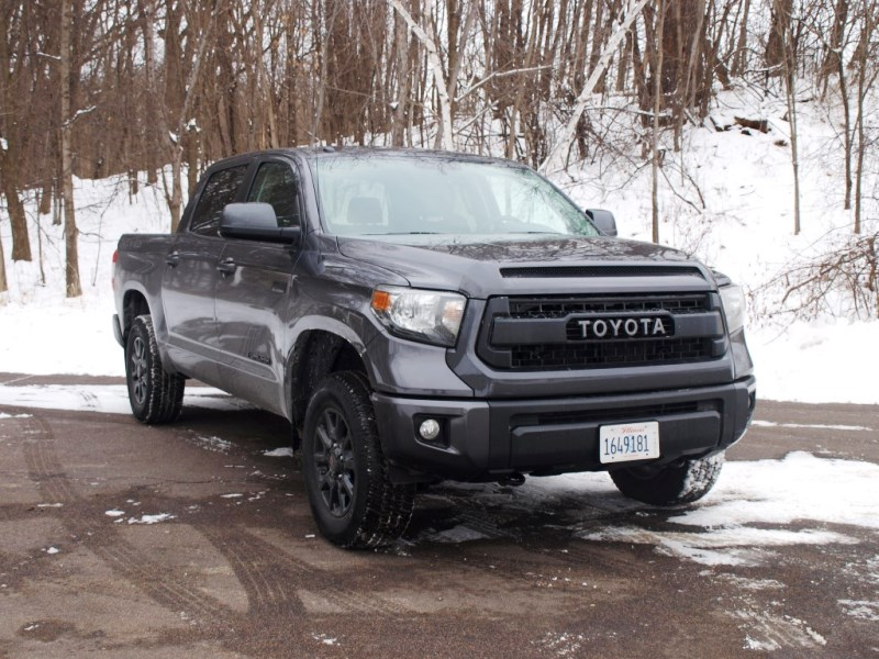 2016 toyota tundra review carfax. Black Bedroom Furniture Sets. Home Design Ideas