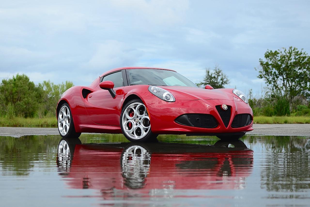 2015 Alfa Romeo 4C (CARFAX, Inc.)