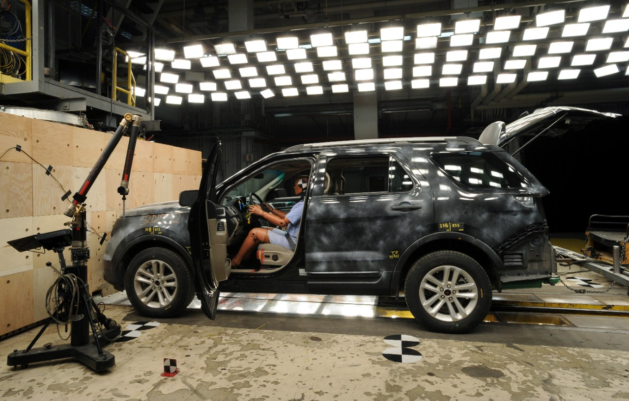 More Vehicles Pass Tougher Tests for 2017 IIHS Top Safety Pick Honors