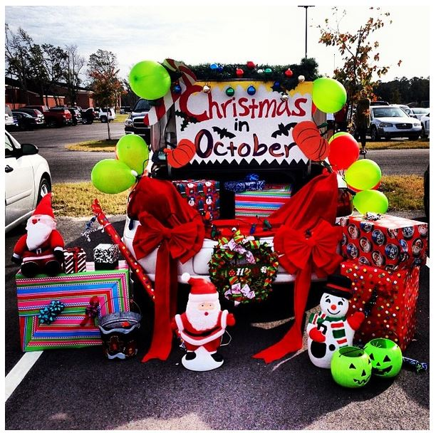 attractive Decorate Truck Bed Halloween Part - 18: Christmas in October