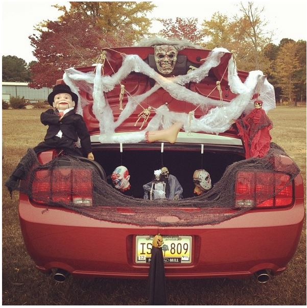 Home Decorating For Dummies: Trunk Or Treat? 15 Halloween Car Decoration Ideas