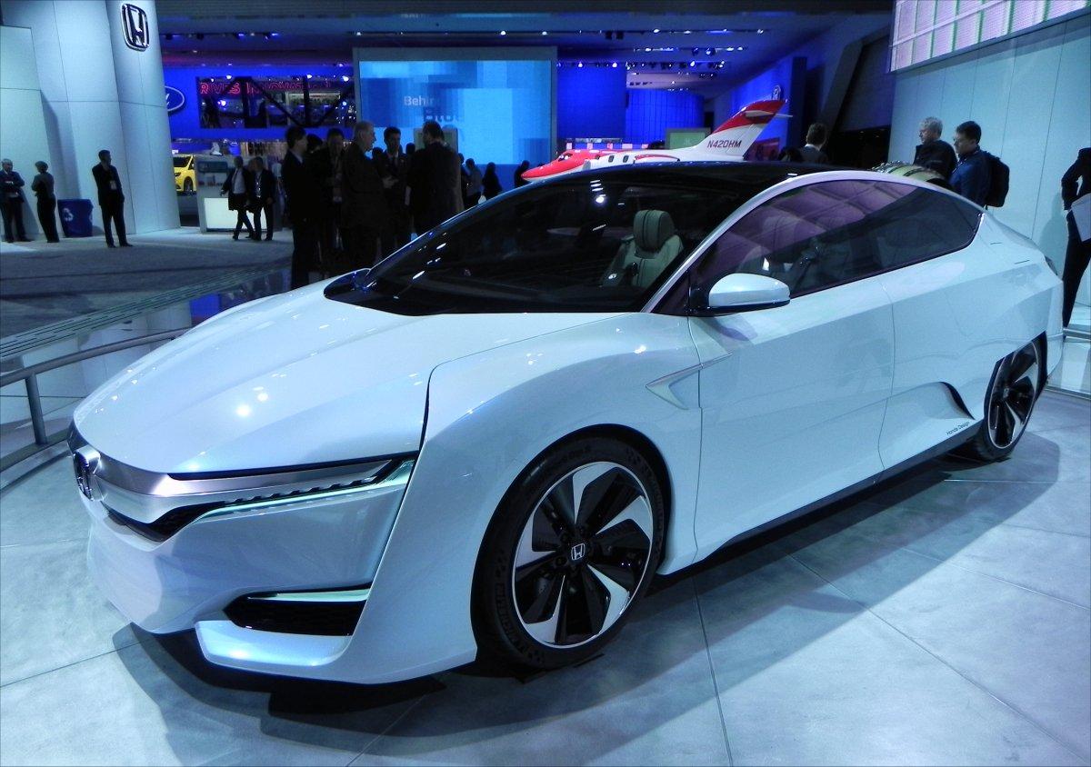 Honda FCV Concept 1 - 1200px