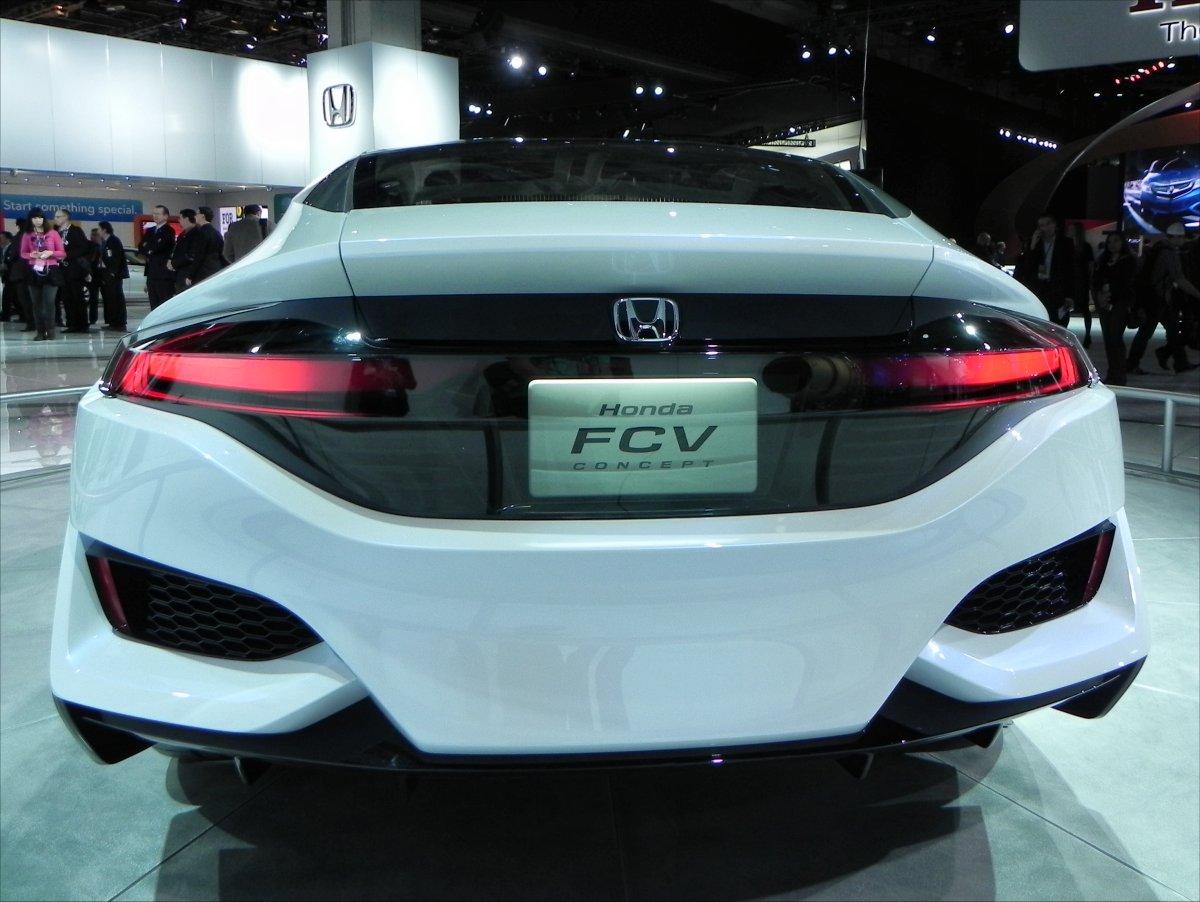 Honda FCV Concept 2 - 1200px