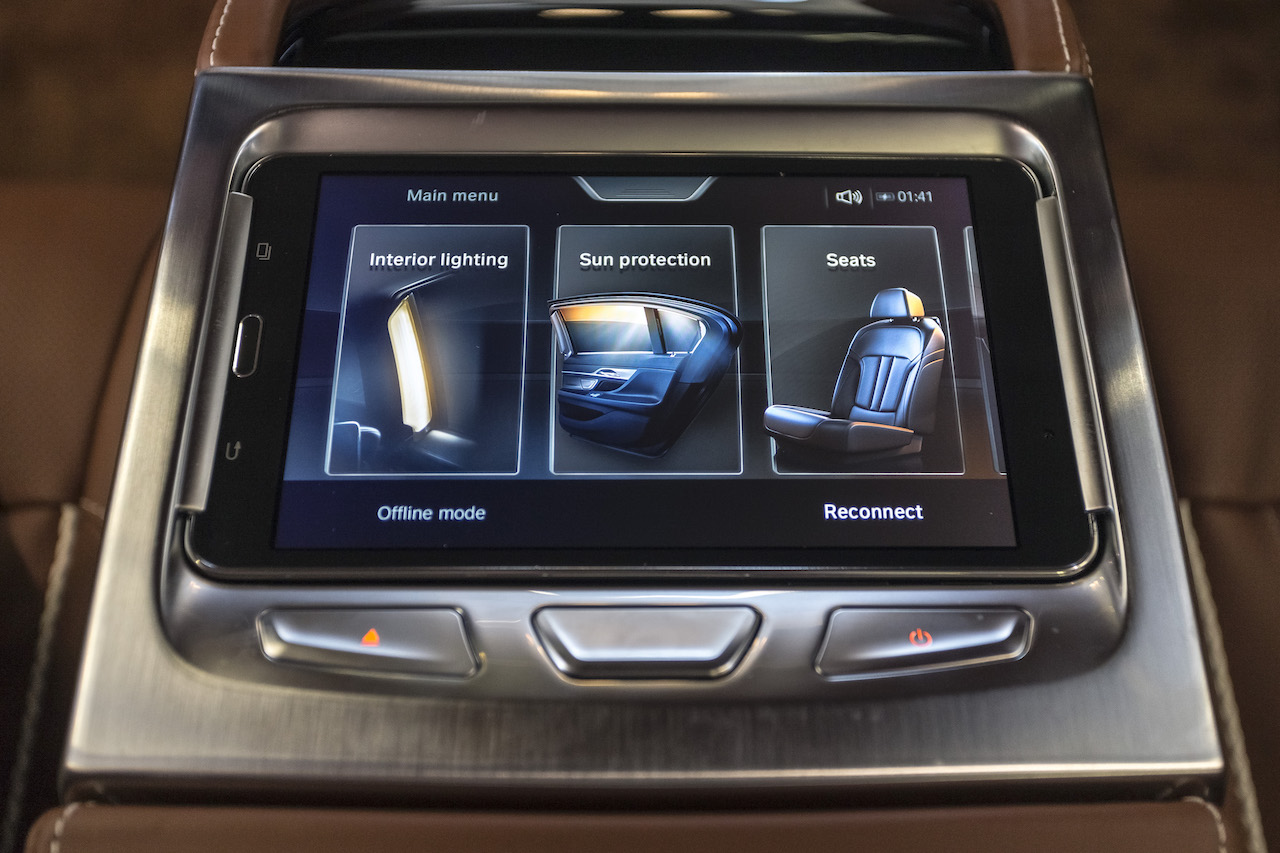 car luxury features  Look for These 5 Premium Features in Used Luxury Cars | CARFAX Blog