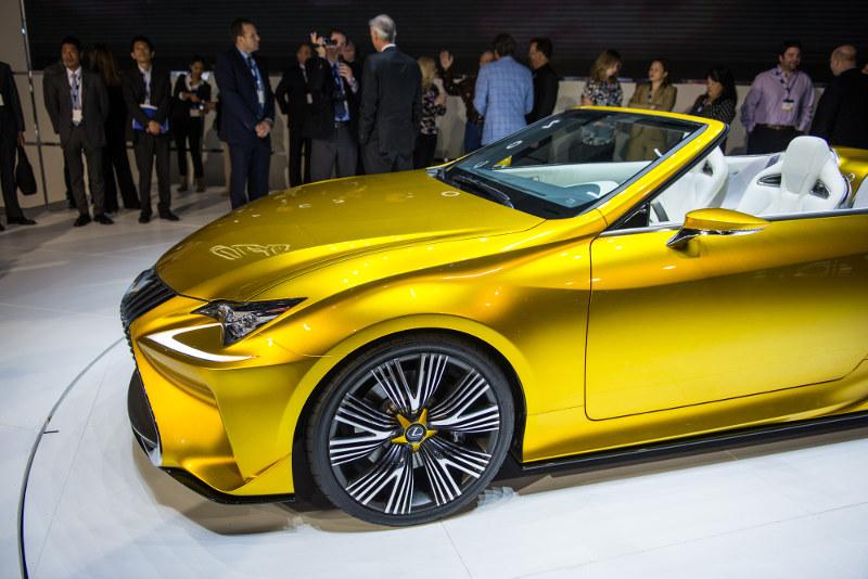 Lexus LF C2 Concept Car Side View