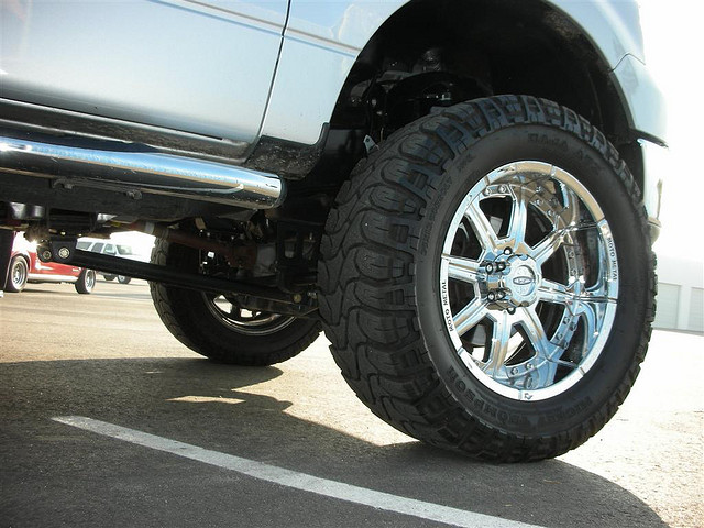 truck-back-tires