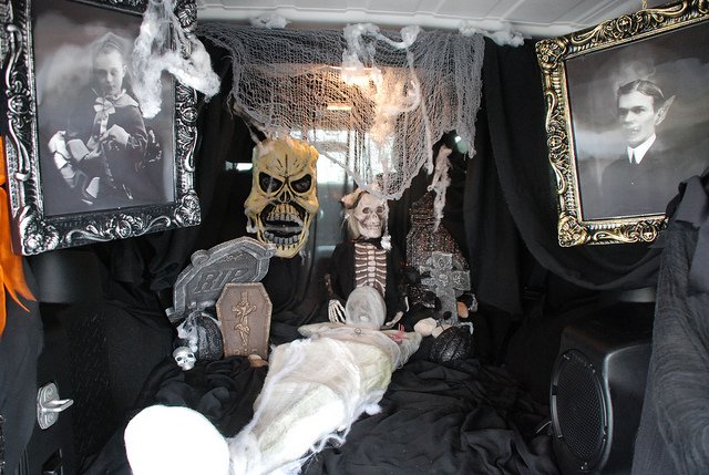 Cemetery in your trunk. Image by USAG Vicenza via Flickr cc.