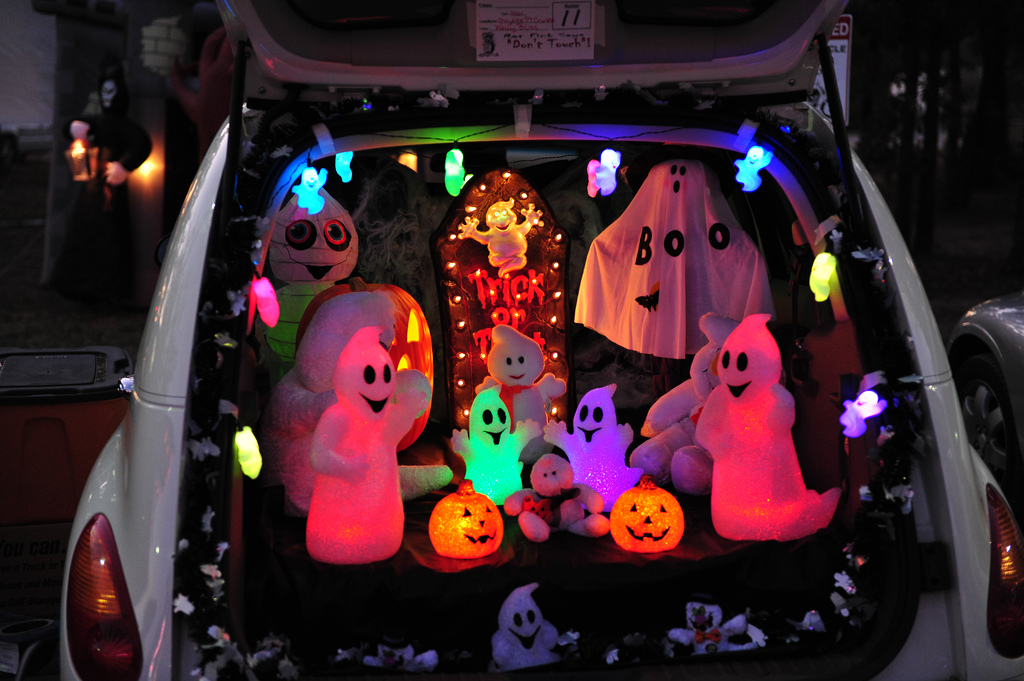 trunk or treat ghosts