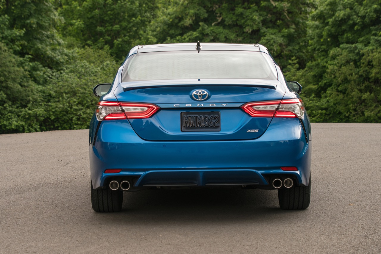 Toyota toyota camry trunk space : 2018 Toyota Camry Review | CARFAX